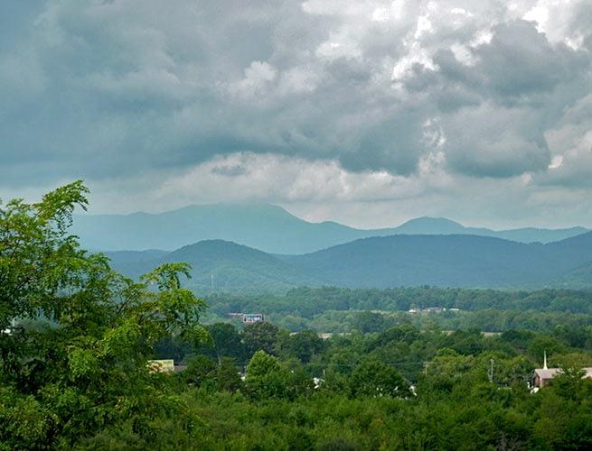 Mountain view homes near asheville